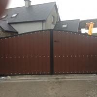 Gate-wooden-3